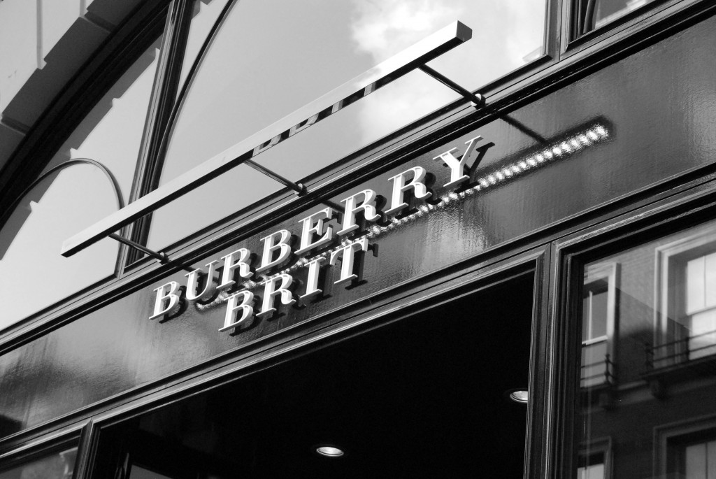 Burberry Brit Store A Milano : Thefashionguitar