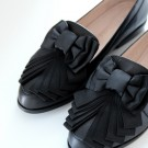 THE BOW-SHOE