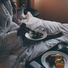 EDITION-Hotel-New-York-breakfast-in-bed