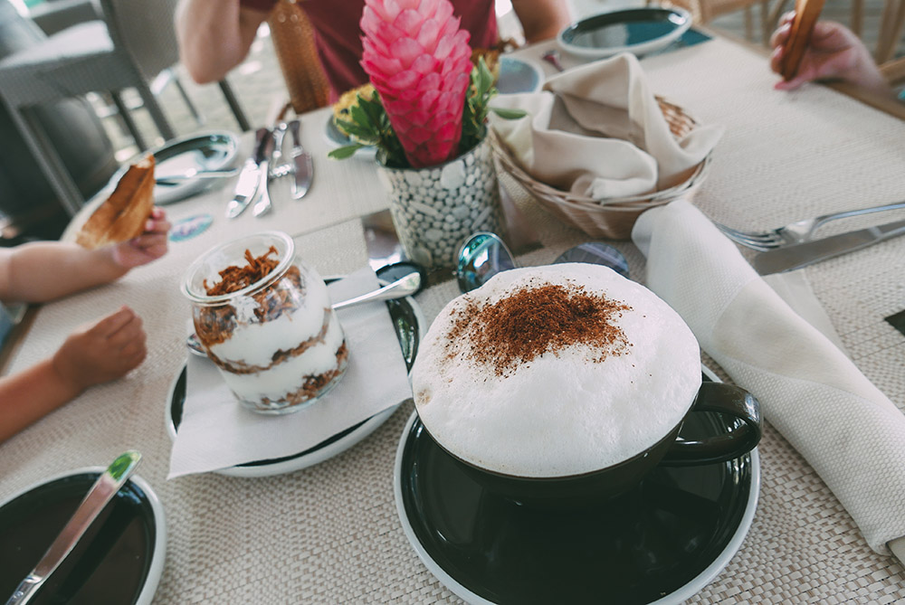 Bay-Side-Cafe-Saint-Lucia-Thefashionguitar