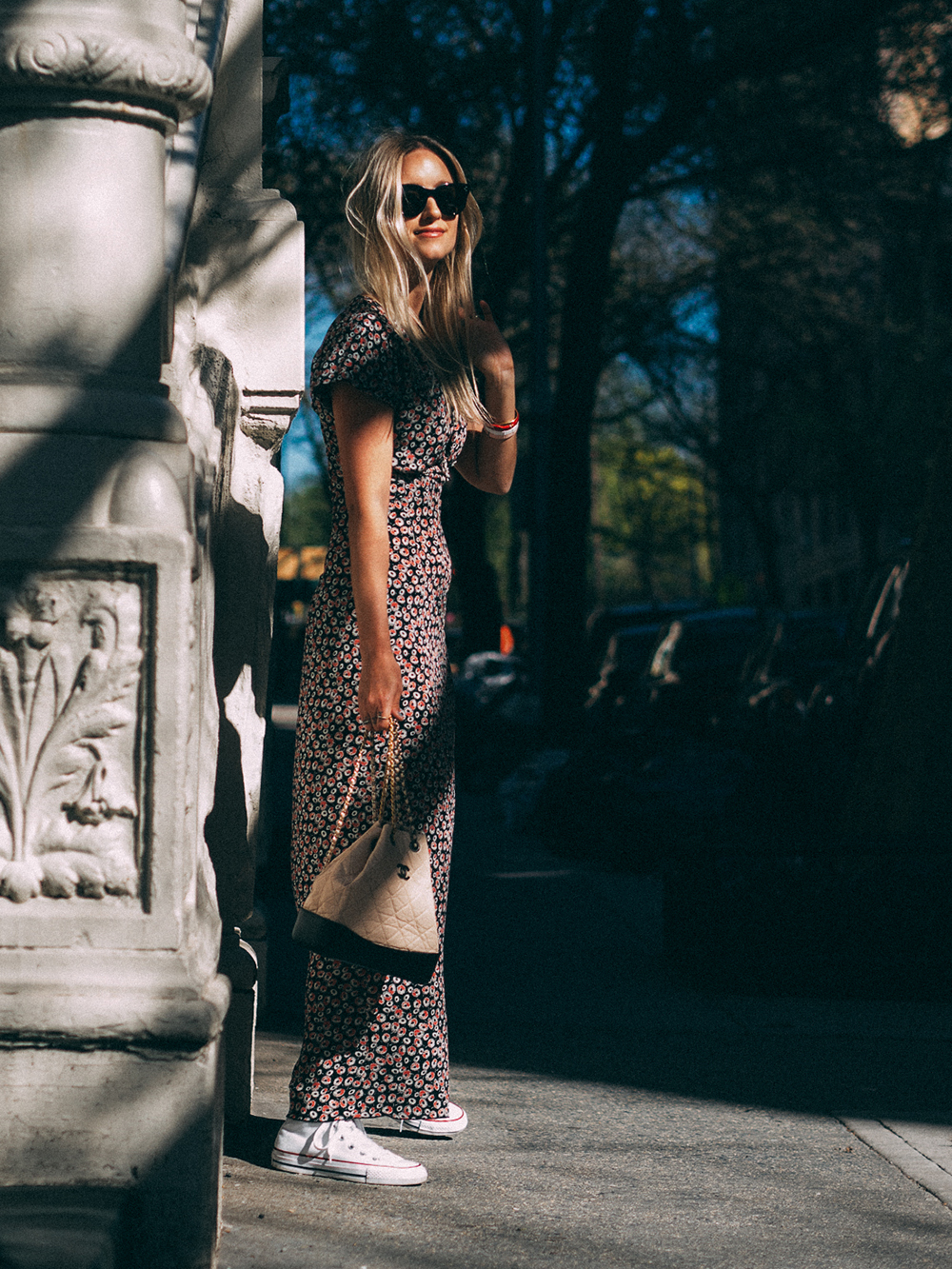 Charlotte Groeneveld Thefashionguitar in Tomas Maier and Chanel Gabrielle bag