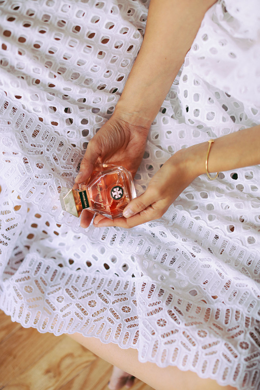 Charlotte Groeneveld Thefashionguitar for Tory Burch Fragrances Love Relentlessly