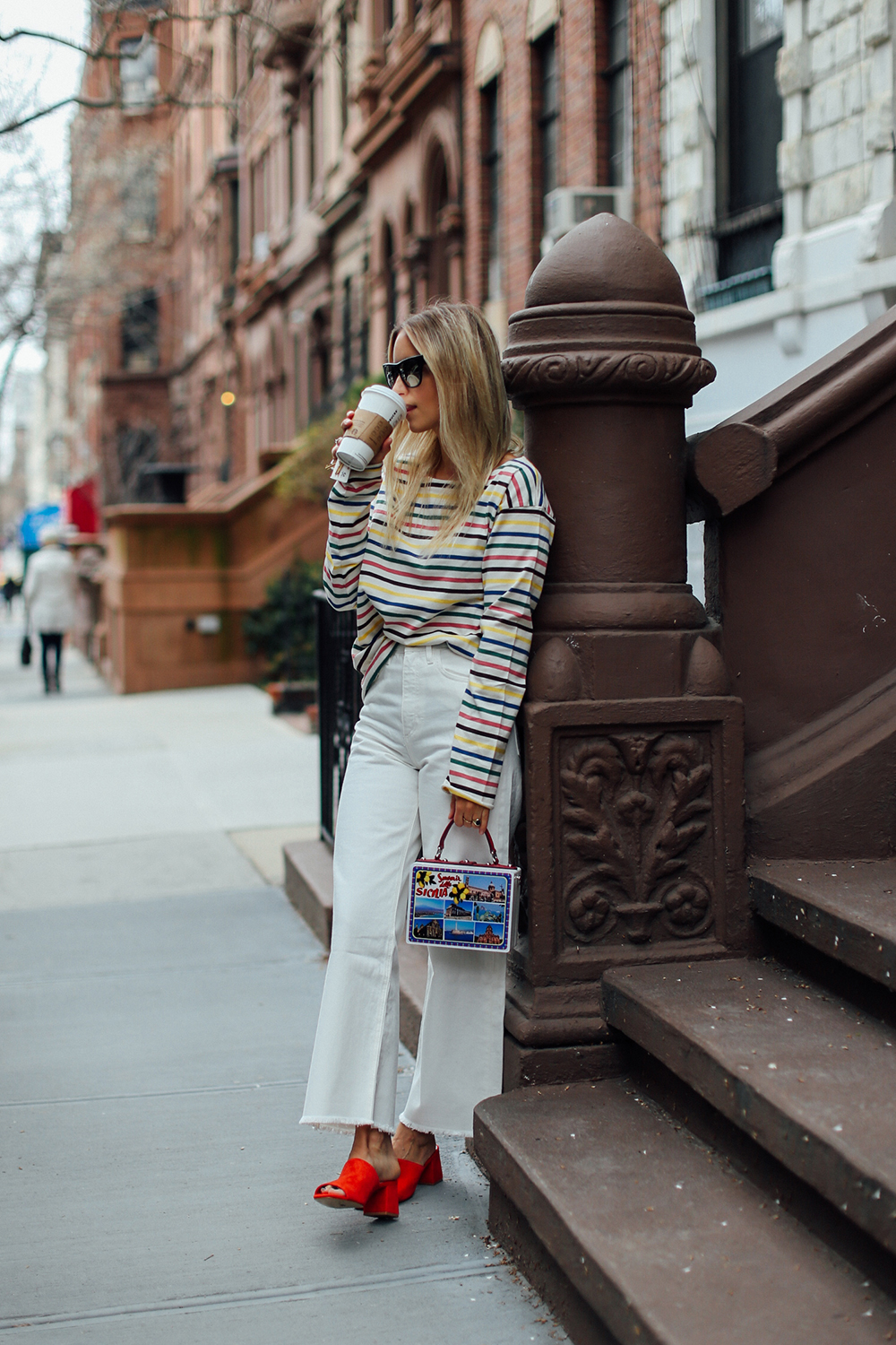 Charlotte Groeneveld Thefashionguitar in Aldo slides via DSW and MIH Jeans tee and pants